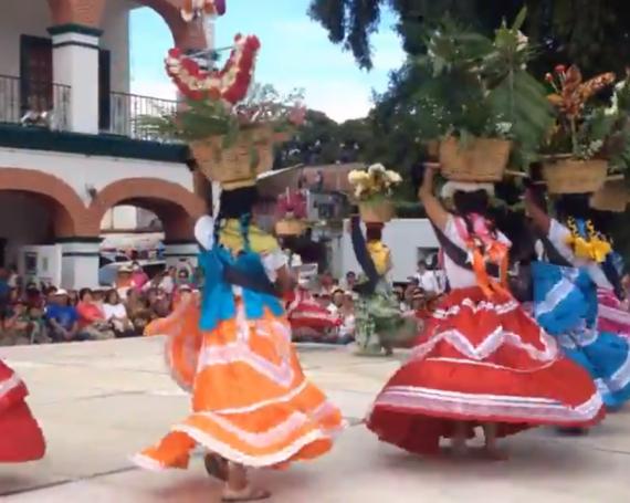 Guelaguetza in Santa Maria Del Tule